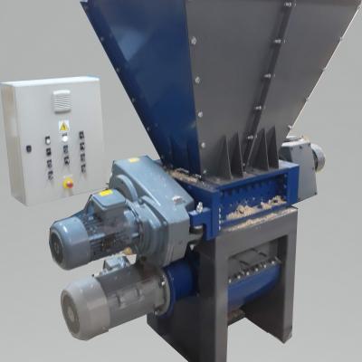 Obrázok: SCHREDER INDUSTRY 500 –doppelte Sektion (Klein und Grob zerkleinerung) 41 kW
